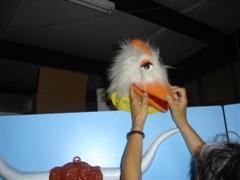 henryetta_checks_her_make-up_vbs_2008_wince.jpg